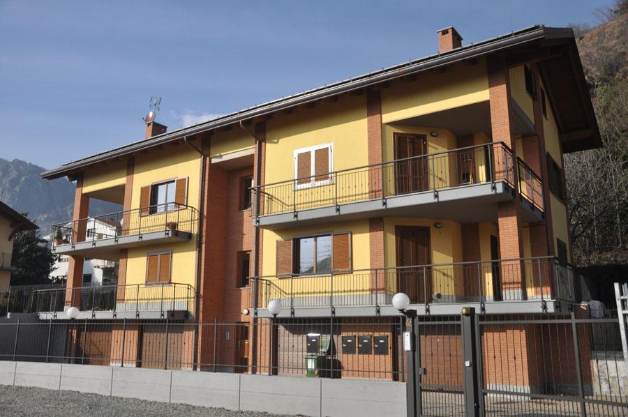 vista dell'edificio composto da 4 alloggi